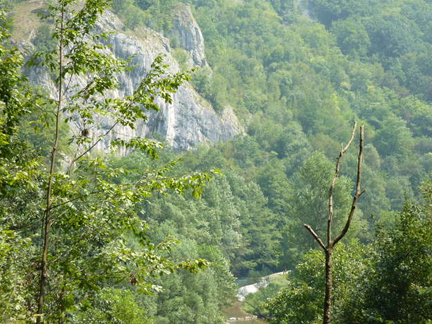 ist1_4174585-mountains-iii